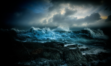 Буря в океане
