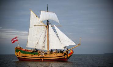 Постановка паруса — основные правила обращения с любым видом парусной лодки
