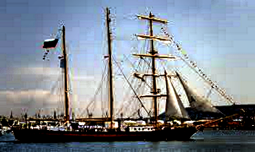 Большой парусный корабль STV Royal Helena