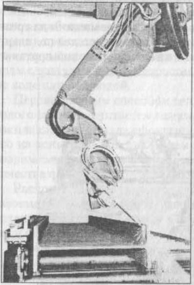 Промышленный робот для резки профильного проката