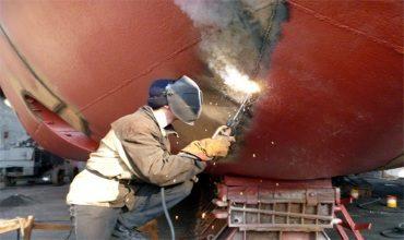Сварка корпуса судна на построечном месте