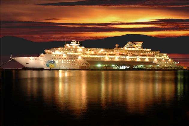 Океанское круизное судно