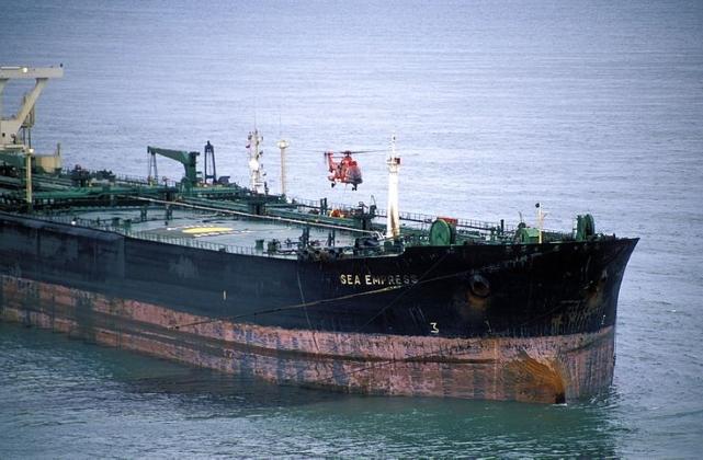 Танкер Sea Empress