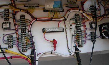 Установка электрооборудования, подготовка и монтаж кабелей на судне