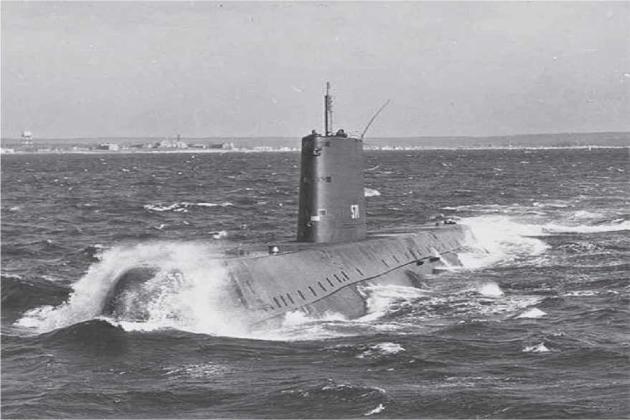 Первая атомная субмарина
