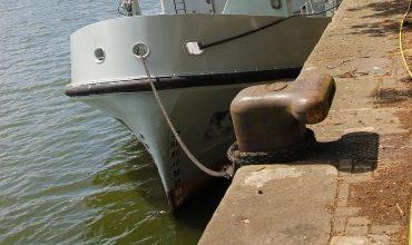 Постановка судна на один и два якоря
