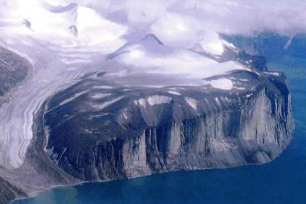 Побережье Баффиновой Земли. Лейф Эриксон был прав, назвав ее «Землей плоских скал»