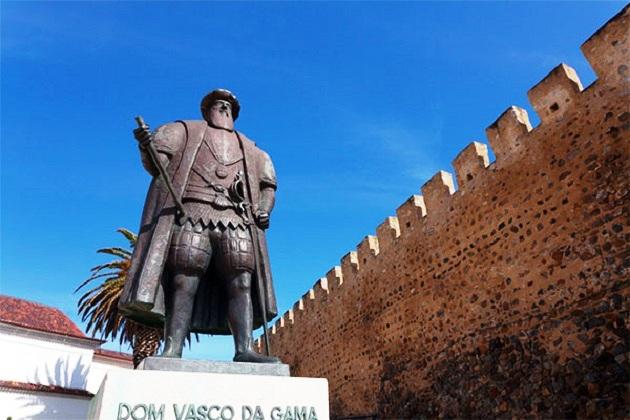 Памятник Васко да Гаме в Лагуше, Португалия