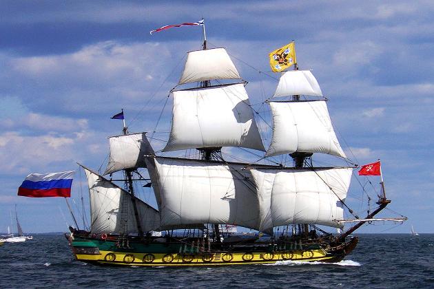 Реплика первого фрегата русского балтийского флота «Штандарт», построенная в 1999 г. в России