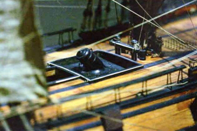 Расположение корабельной мортиры на модели французского бомбардирского корабля «Фудроянт» постройки 1800 г.