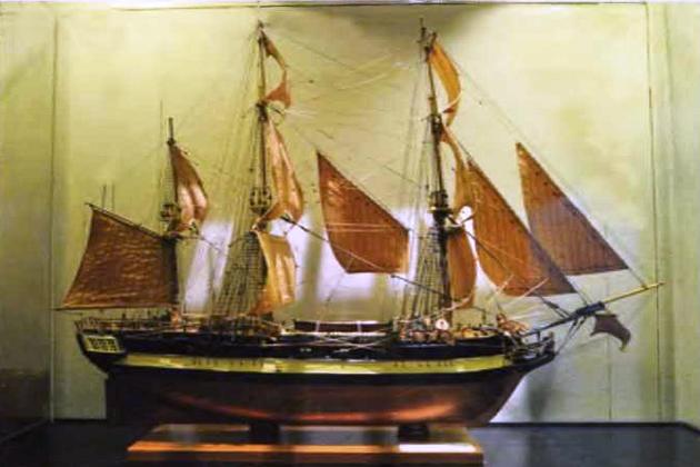 Современная модель английского бомбардирского корабля «Дискавери»