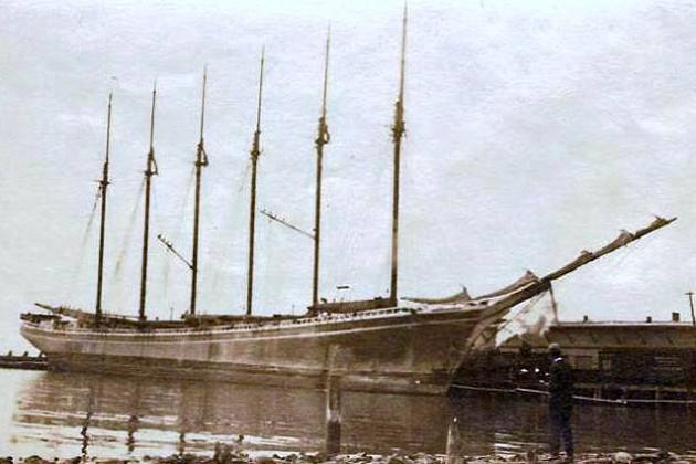 Шхуна «Вайоминг» 1909 г. Крупнейший деревянный парусник по количеству мачт – 6 и по размерам – 110 м длины по килю. Водоизмещение – 10000 т.