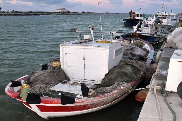 Промысловое судно Hermanos Teva