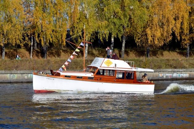 Моторная яхта Franklin