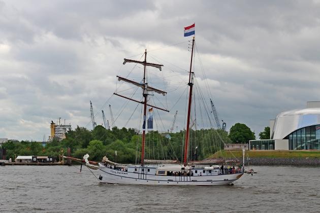 Ремонт арматуры - парусное судно Flying Dutchman