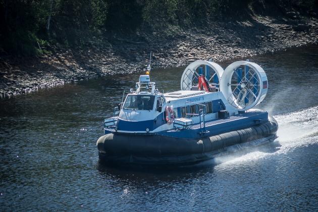 Приемка судна из ремонта - судно на воздушной подушке Ховеркрафт 18