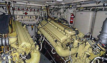 Обслуживание деталей судового двигателя внутреннего сгорания