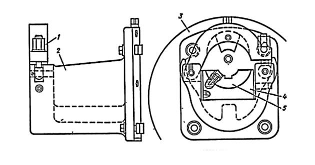 Зажимной патрон-центросместитель