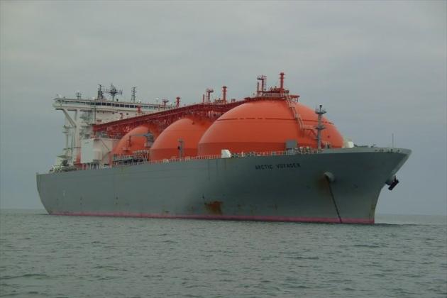 LNG танкер Arctic Voyager